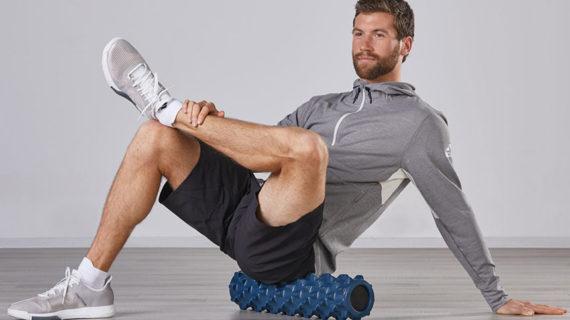 Лучшие упражнения с массажным роликом RumbleRoller® для облегчения боли в спине