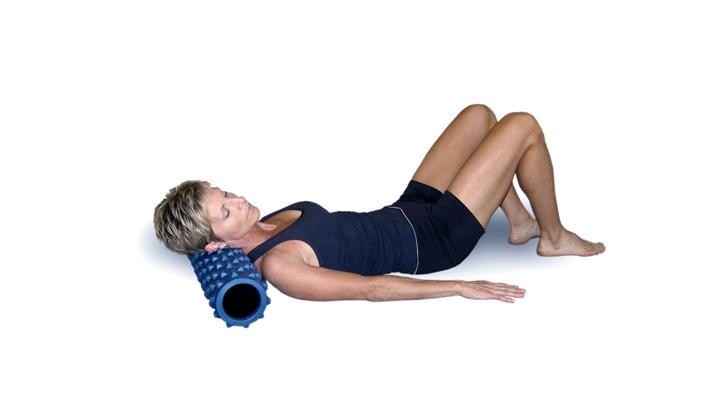 упражнение на шею с роликом